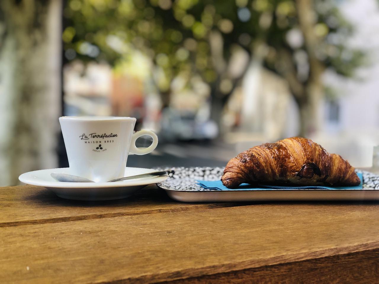 Croissant Breakfast Espresso France  - xat-ch / Pixabay