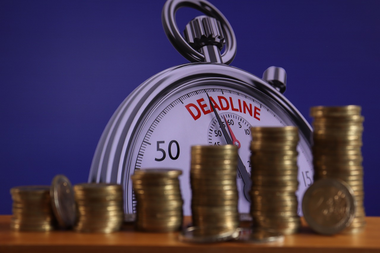 Deadline Money Pay Euro Coins  - geralt / Pixabay